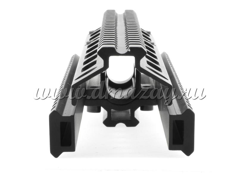 LEAPERS MNT- HG569SA UTG SKS Quad- Rail Picatinny Handguard